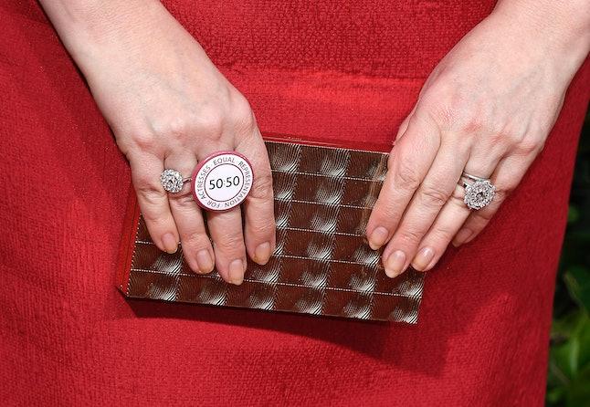 Olivia Colman's Golden Globes 2020 ring is for ERA5050.
