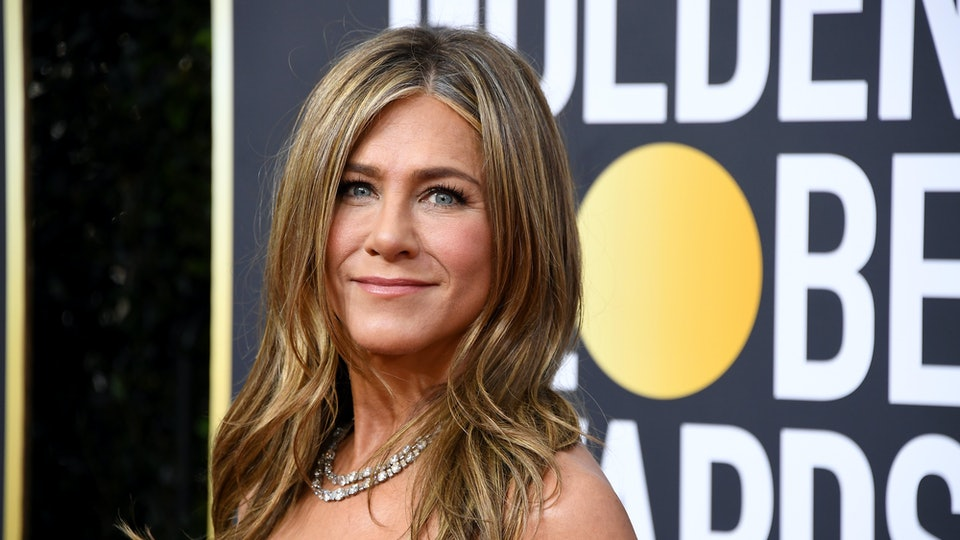 People are loving Jennifer Aniston's 2020 Golden Globes' look.
