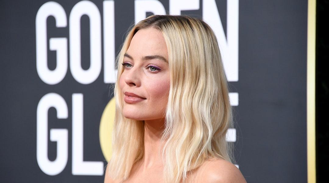 Margot Robbie's 2020 Golden Globes dress was Chanel couture