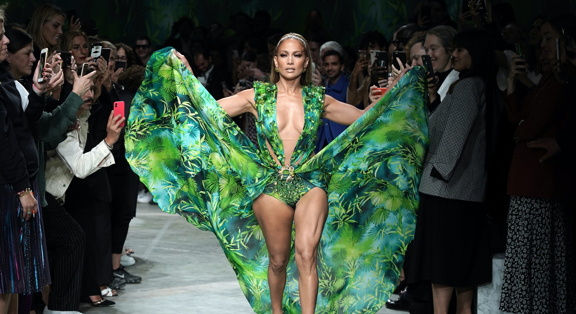 Jennifer Lopez Best Red Carpet Looks