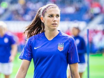 With a last-minute deal with Tottenham Hotspur and a new partnership with GoGo SqueeZ, Alex Morgan is settling into life as a working mom.