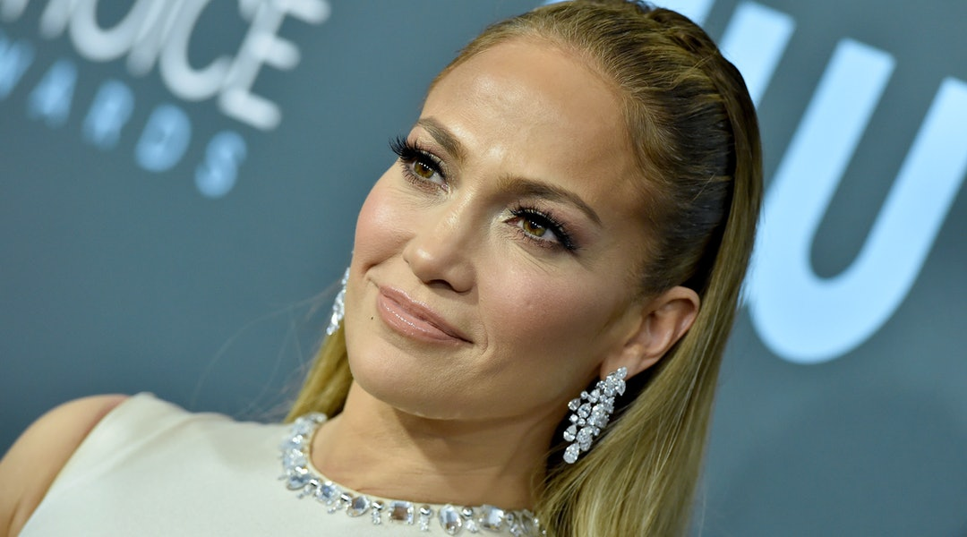 Jennifer Lopez's recent manicure was in a jet black shade.