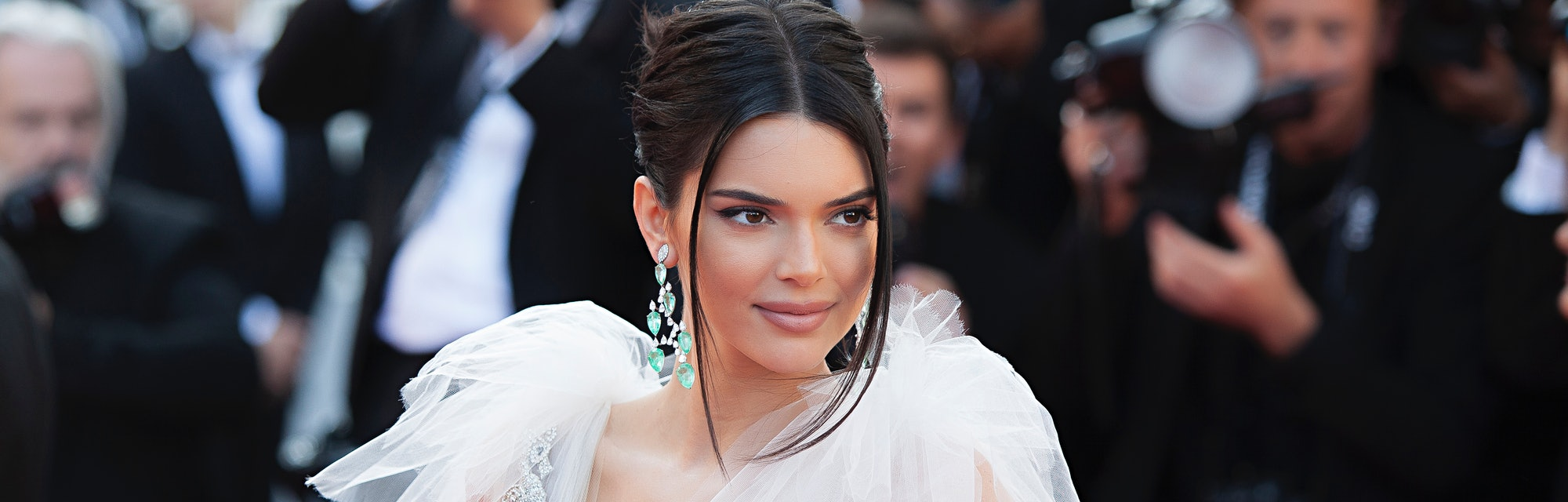 Kendall Jenner's waist-length hair is on the fast track to becoming fall's biggest trend