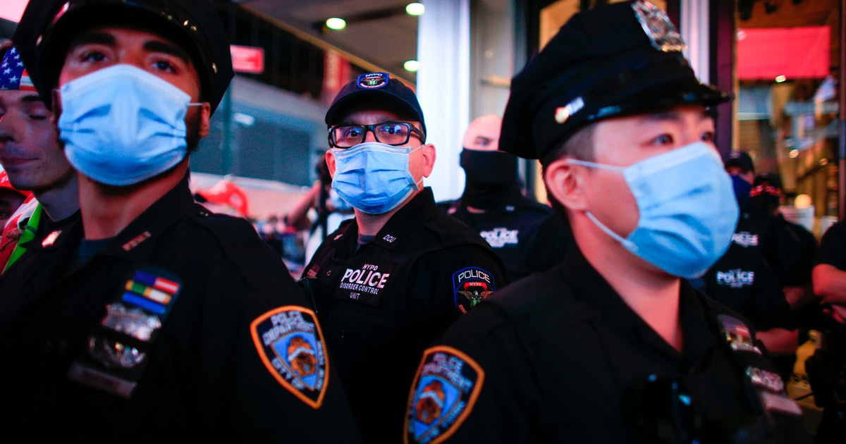 Protesters are using facial recognition technology to ID police