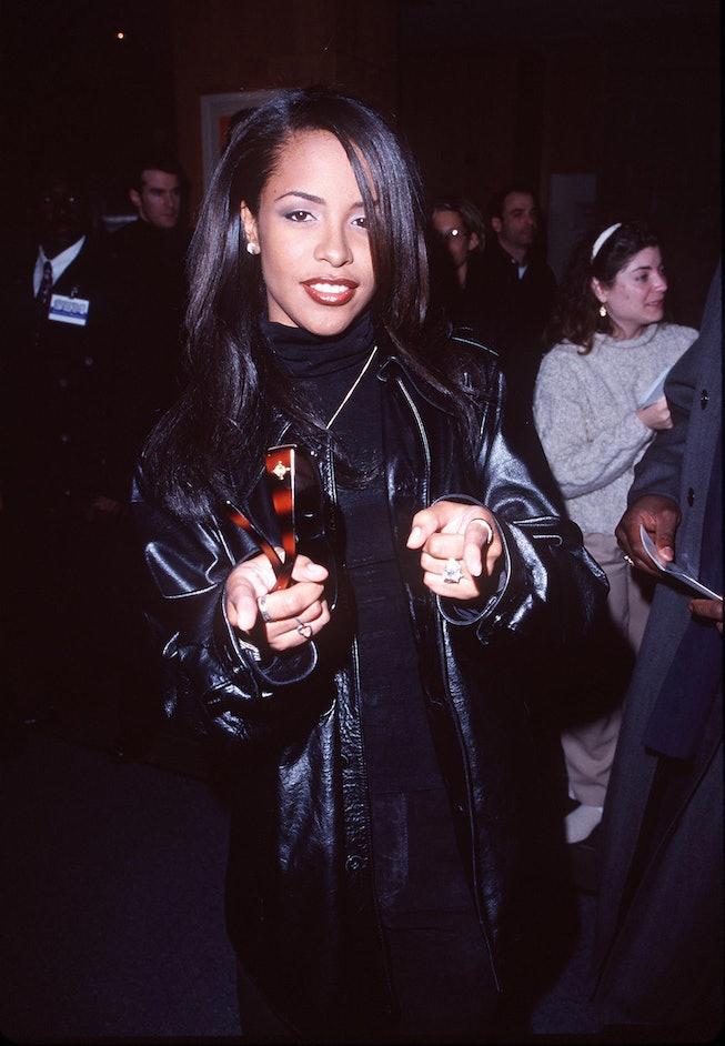 aaliyah 90s lip liner