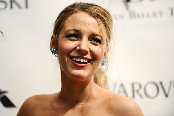 Blake Lively drew shoes on herself on Instagram and people are so shook.