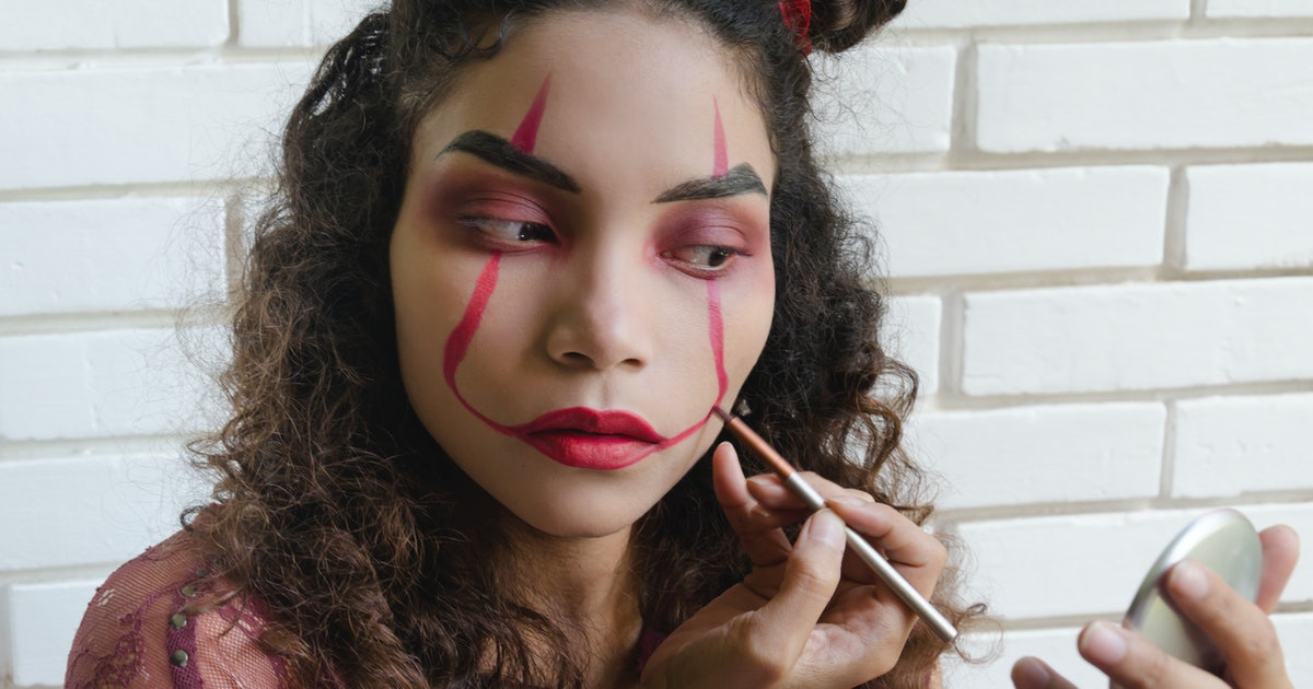 9 Easy Scary Halloween Makeup Ideas That'll Impress All Your Friends