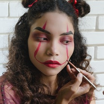 Scary Halloween makeup doesn't have to be tricky.