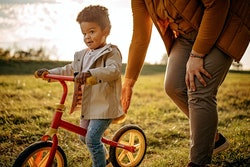 Know what your child's height and weight are in order to know what size bike to get for your kid.