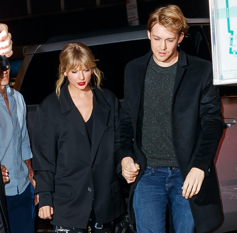 """Taylor Swift revealed that boyfriend Joe Alwyn understands her """"anxieties"""" about fame and dating"""