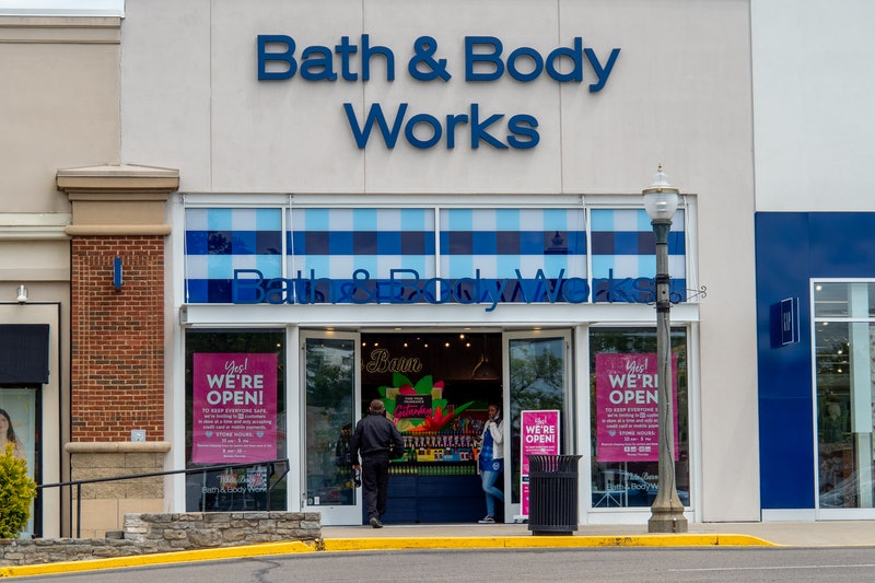 Bath & Body Works' holiday collection has arrived.