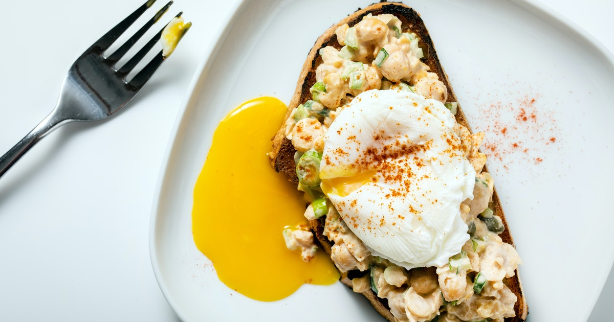 Nutritionists share what they really eat for breakfast