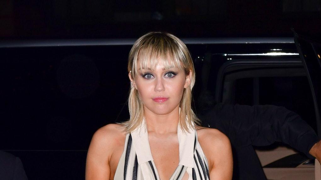 Miley Cyrus pranked Iggy Azalea with a smoke machine on Instagram.