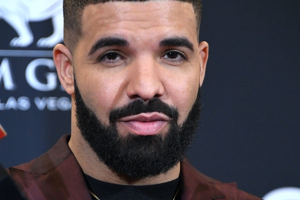 Actor and artist Drake has expressed interest in playing Former President Barack Obama in a biopic.