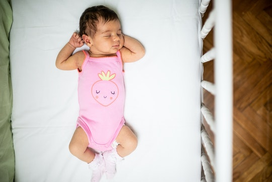 Experts explain why it is safe for a baby to sleep with a stuffy nose.