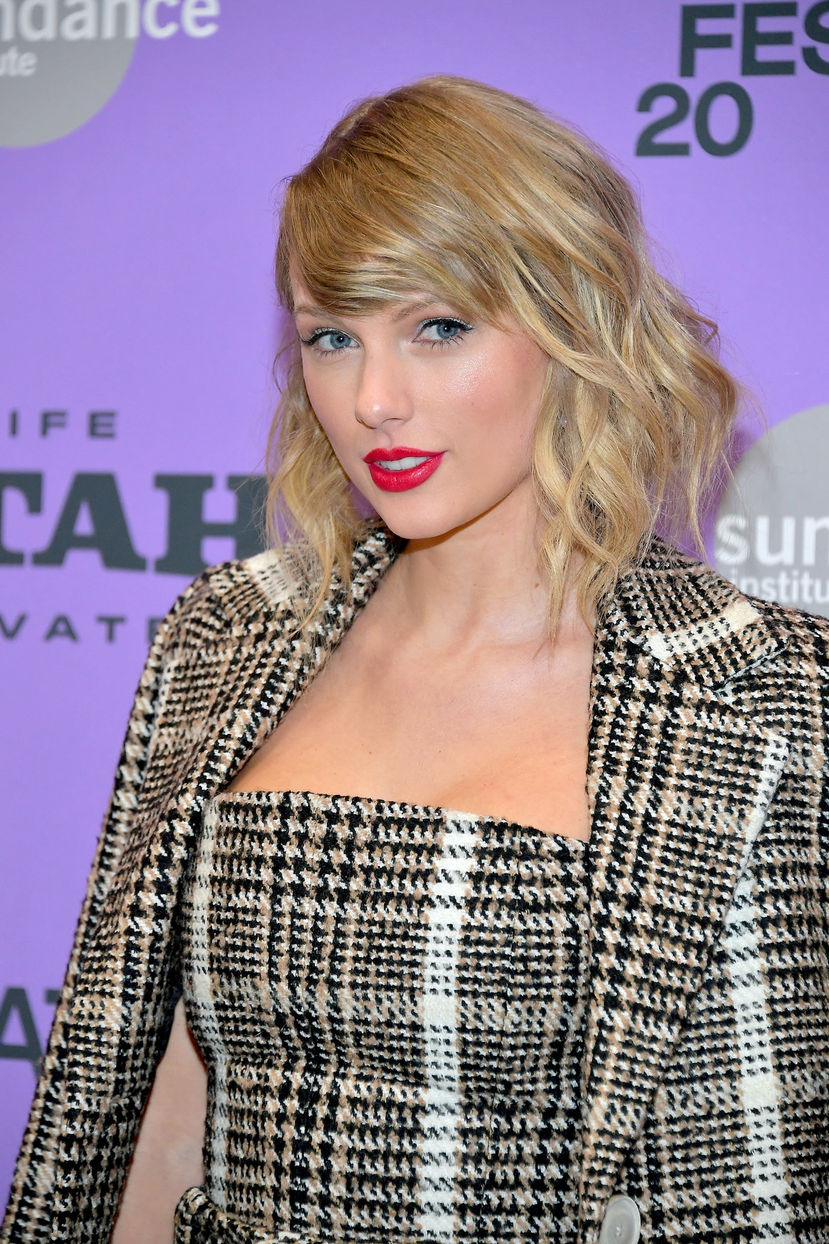 Taylor Swift hits the red carpet.