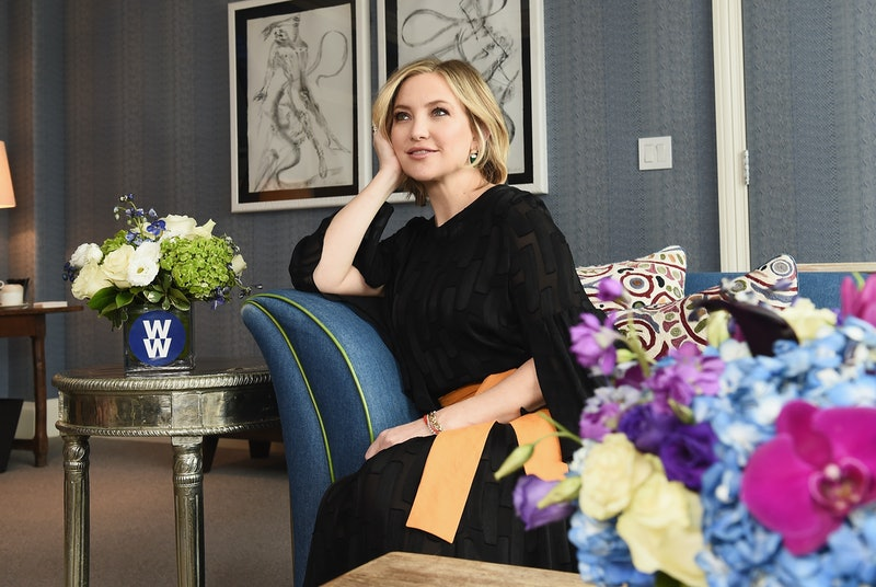 Kate Hudson's home features a stunning floral wallpaper in the bathroom