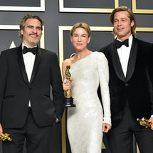 The Oscars are planning to hold the 2021 ceremony in person, despite ongoing concerns over the coronavirus pandemic.