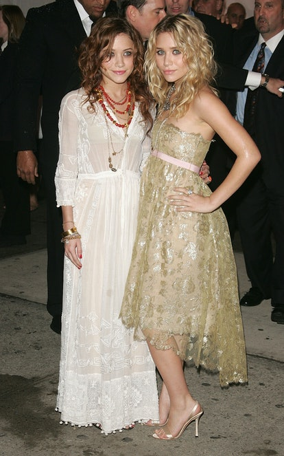 Actresses Mary Kate Olsen (L) and Ashley Olsen attend the MET Costume Institute Gala Celebrating Cha...