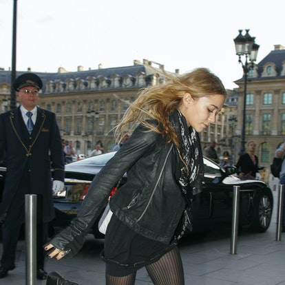 Mary-Kate Olsen arrives at the 'RITZ' hotel on October 10, 2006 in Paris, France.