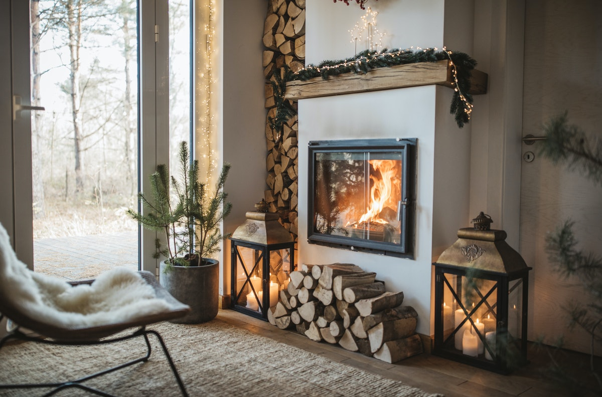 These are the best fireplace Zoom backgrounds to make your calls extra cozy.