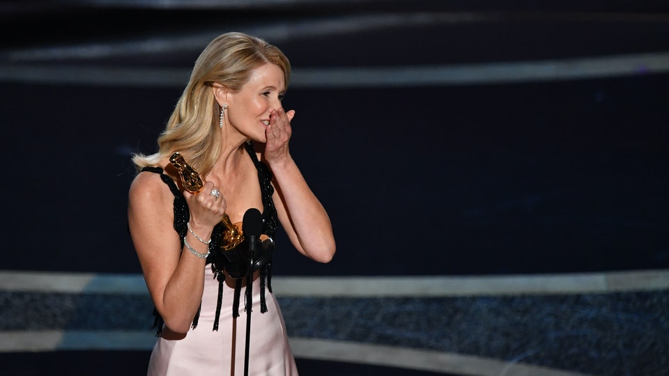 """Laura Dern's Oscars acceptance speech calling her parents her """"heroes"""" had everyone emotional."""