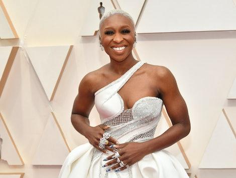 Off-the-shoulder and one-shouldered dresses were a big 2020 Oscars trend