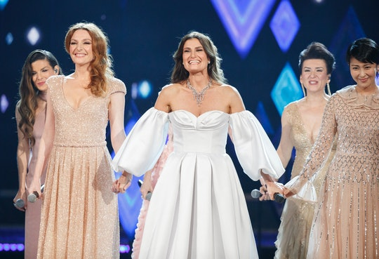 """Nine different women who lend their voice to Elsa all over the world took to the stage at the Oscars to perform an incredible rendition of """"Into The Unknown""""."""