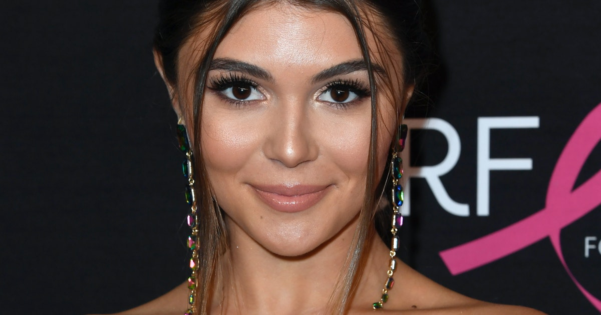 Olivia Jade's fake rowing résumé is scammer goals