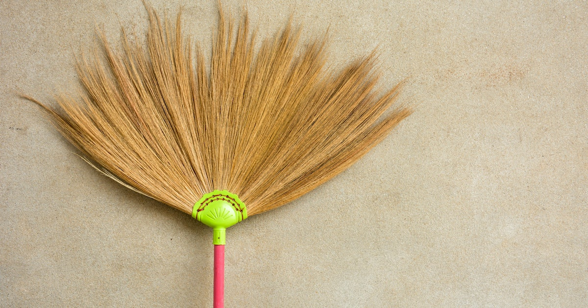 Here's How You Can Do The Viral Broom Challenge Every Day Of The Year