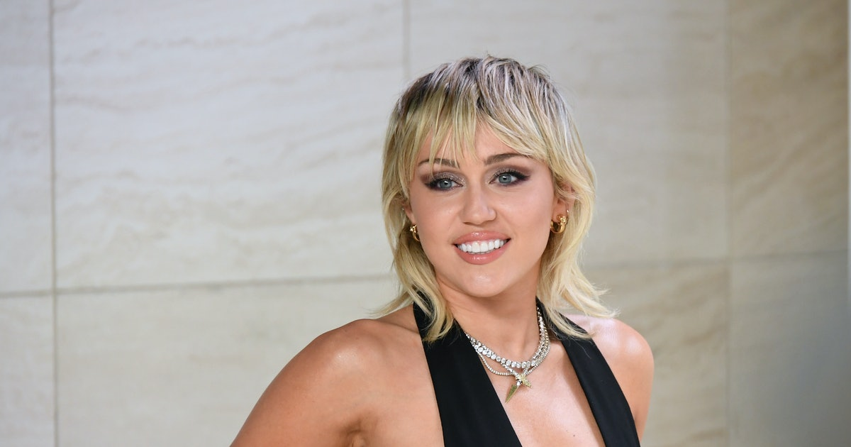 Miley Cyrus Wore A Bra Top And Matching Elbow-Length Gloves To NYFW