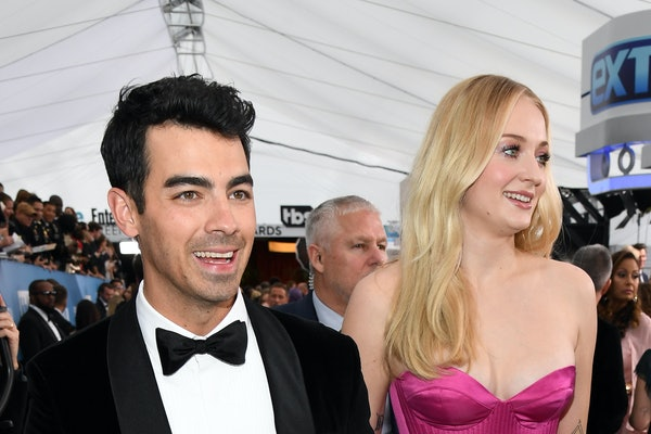 Joe Jonas and Sophie Turner attend the 2020 SAG Awards.