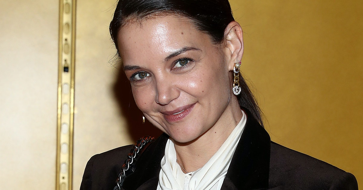 Katie Holmes Just Wore The Anti-Micro Bag Trend