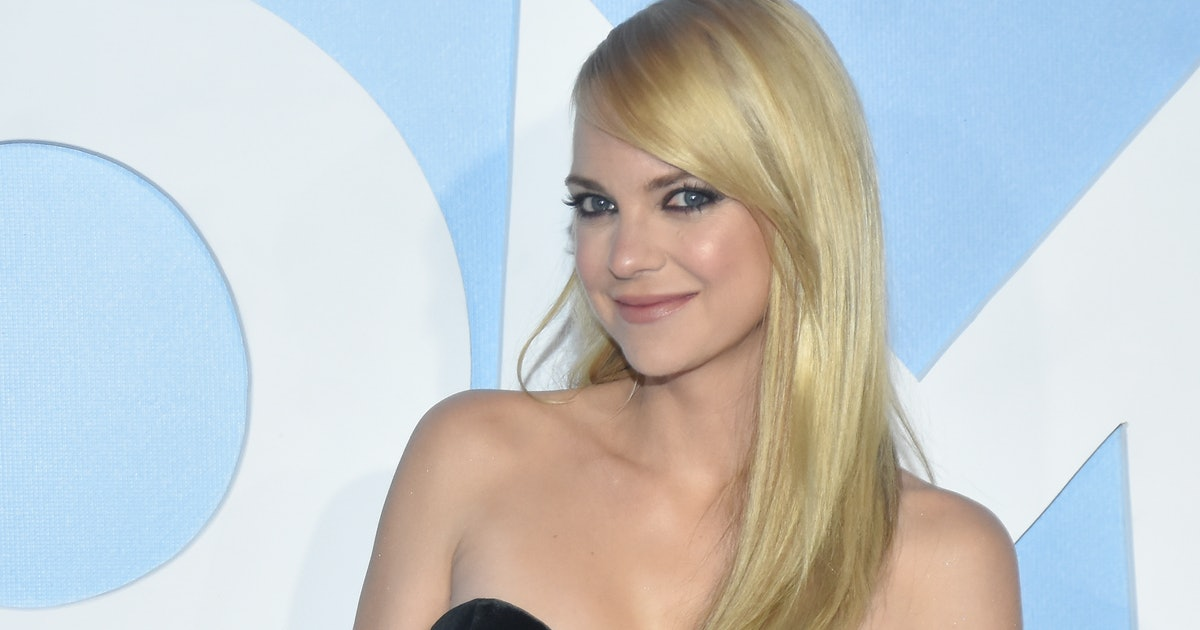 Anna Faris Confirmed She's Engaged & You Need To See Her Giant Ring