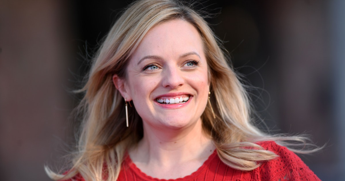 Elisabeth Moss Just Nailed One Of Fashion Month's Brightest Trends