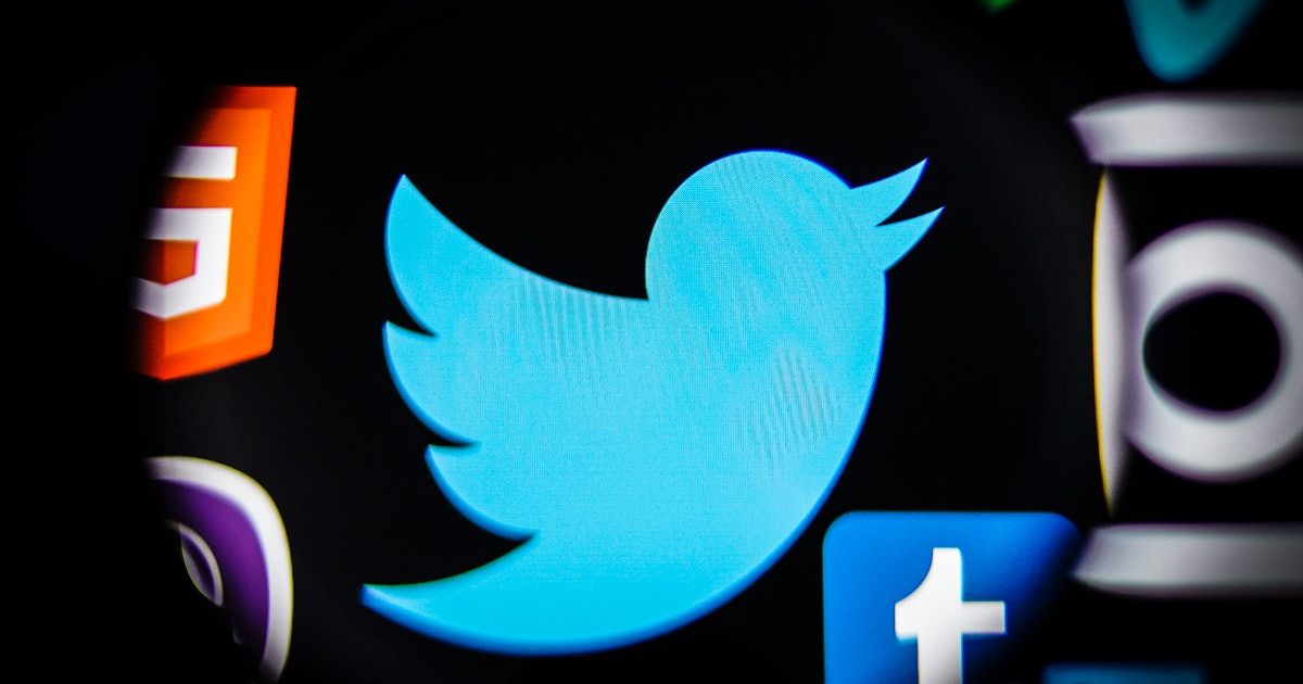Twitter's new tool makes it easy to start threads from old tweets