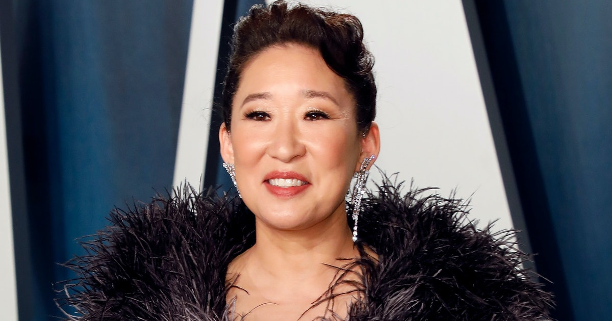 Sandra Oh Will Team Up With Amanda Peet & The 'GoT' Creators For Netflix's 'The Chair'