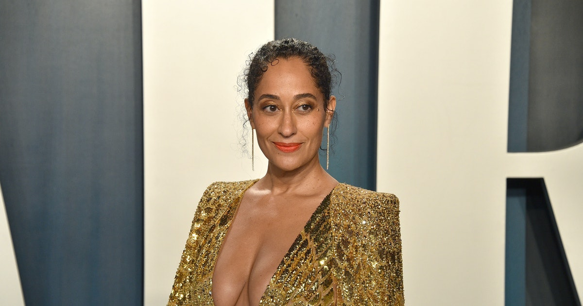 Tracee Ellis Ross' Eyeshadow Matched Her Dress At The NAACP Image Awards & It Was '80s Perfection