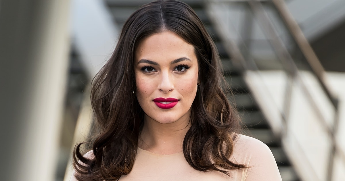 Ashley Graham Pumped Breast Milk In The Back Of An Uber In This Oh-So-Relatable Video