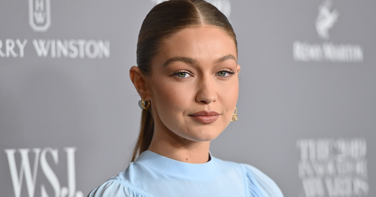 Gigi Hadid Kicked Off Paris Fashion Week With Floating Eyeliner In Spring's *It* Shade