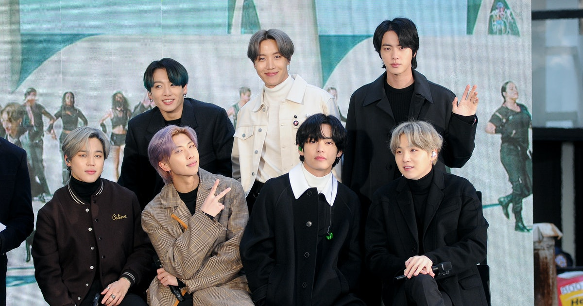 ARMYs Had The Most Inspiring Response To BTS' Seoul Concerts Being Canceled