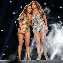 These Shakira & J.Lo Super Bowl Halftime Memes Celebrate *That* Tongue Moment