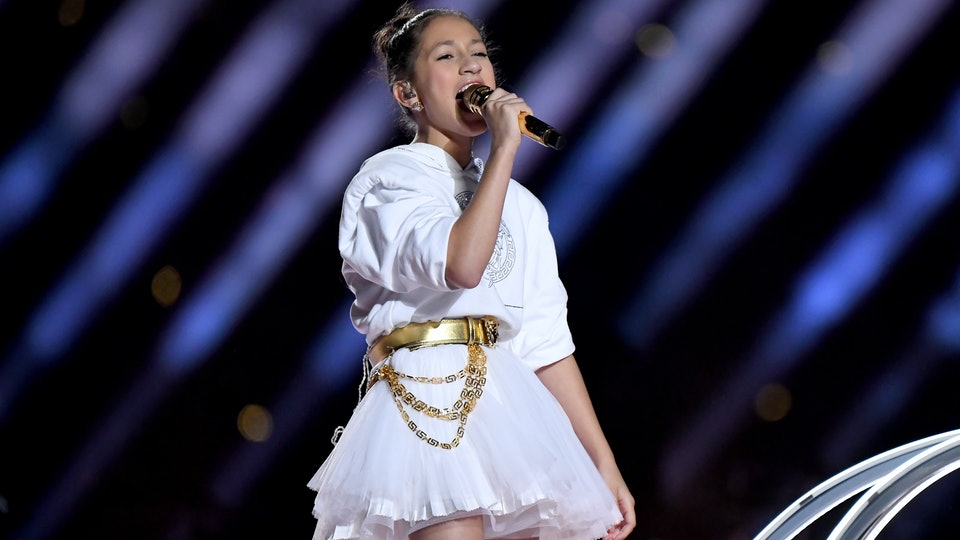 The daughters of Jennifer Lopez's fiancé Alex Rodriguez gave Emme's Super Bowl halftime performance two thumbs up.