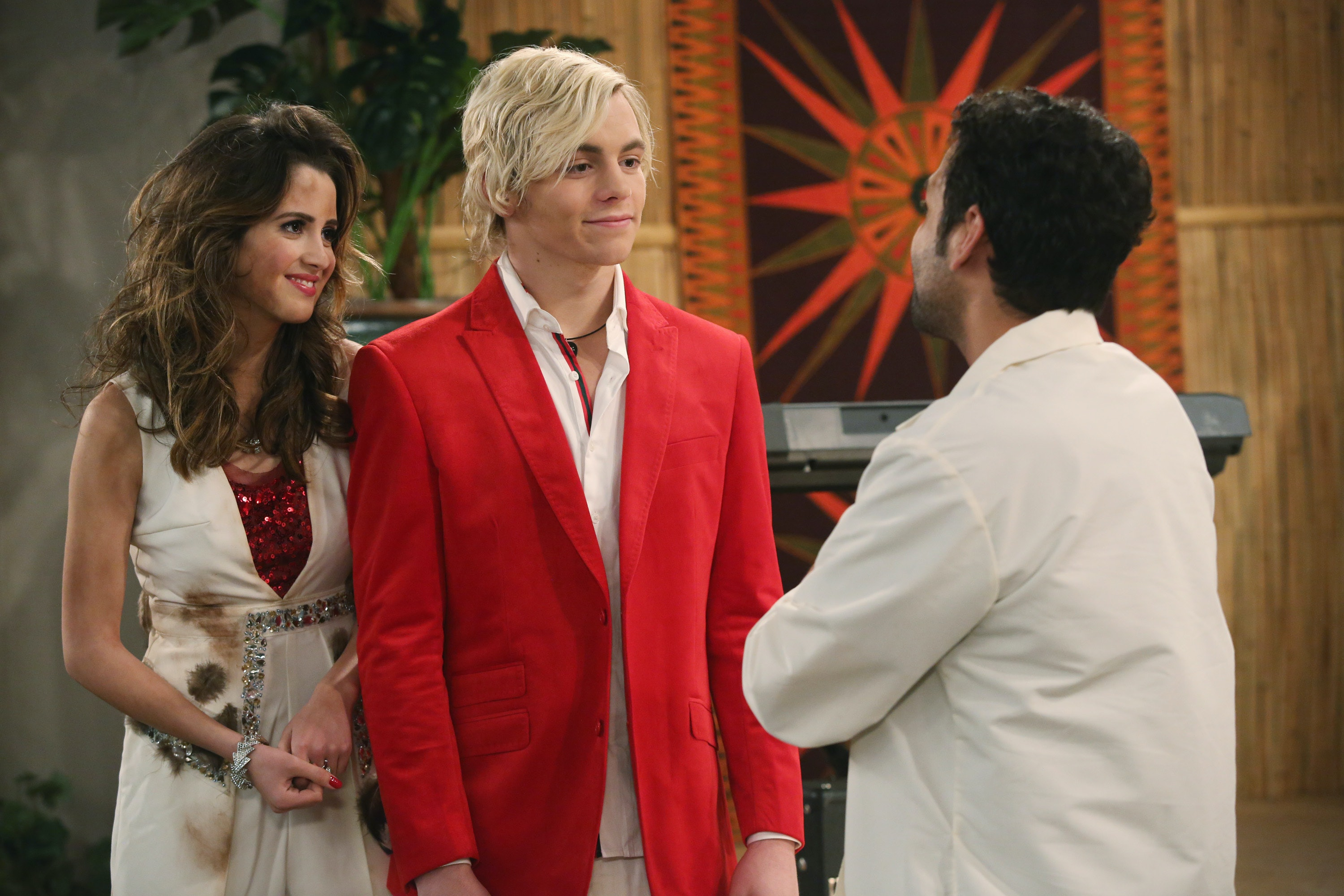 Are Ross Lynch & Laura Marano Still Friends? This Update Will Make You Smile