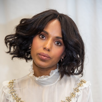 Kerry Washington's '70s-style bangs blend in with her triangular cut