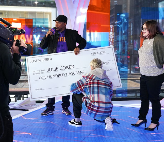 Justin Bieber surprised fan Julie Coker with a $100,000 check on MTV's 'Fresh Out Live.'