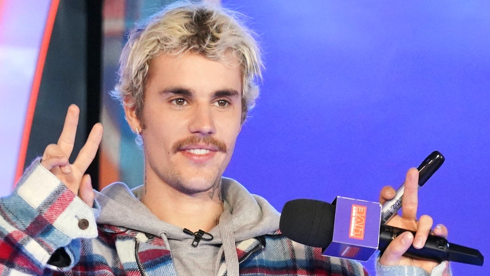 Justin Bieber donated $100,000 to a fan on MTV's 'Fresh Out Live.'