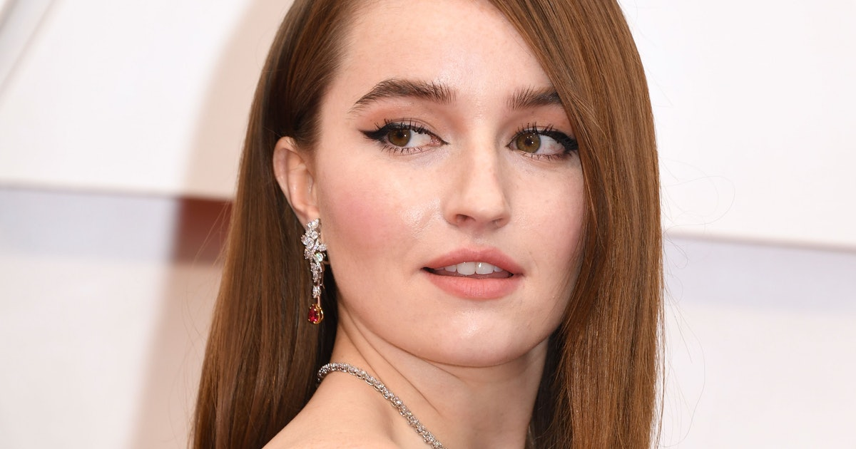Kaitlyn Dever Looks Like A Human Valentine In Her Sustainable Oscars Dress