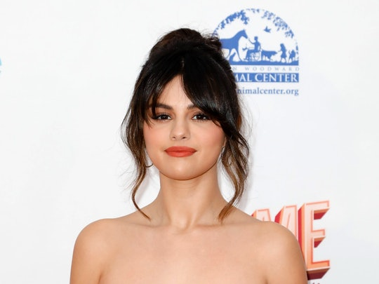"Selena Gomez has a new style for her bold bangs that includes the famous ""Rachel"" haircut and Goldie Hawn as inspiration"