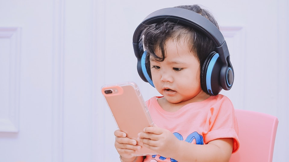 Keep your kid entertained and learning during the pandemic with these 20 best educational apps for toddlers.